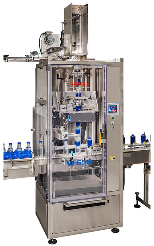 OPTI-PACK: De VF650 sleevemachine is een verticale (mandrel) machine, specifiek ontworpen voor productielijnen met een hoge snelheid.